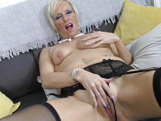 Чулки секретарши порно смотреть бесплатно