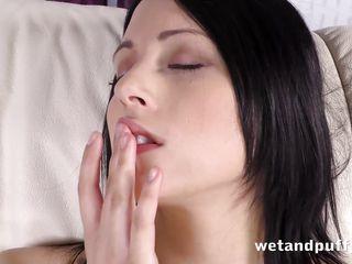 Смотреть порно ролики с секс игрушками