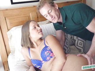 Порно зрелых баб с молодыми