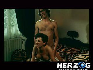 Порно ретро оргазм